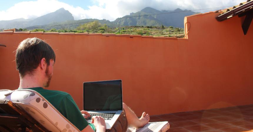 Bulli-Buero: Unterwegs arbeiten